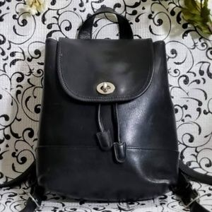 COACH- VINTAGE LEATHER BACKPACK- DAYPACK